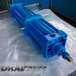 Conserto cilindro pneumatico