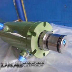 Conserto de cilindros rotativos